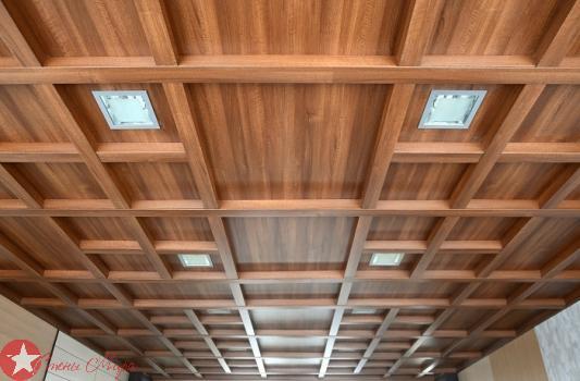 Прямой кессонный потолок